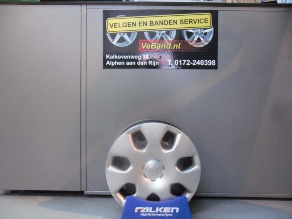 Opel Stalen Velgen Met Wieldoppen