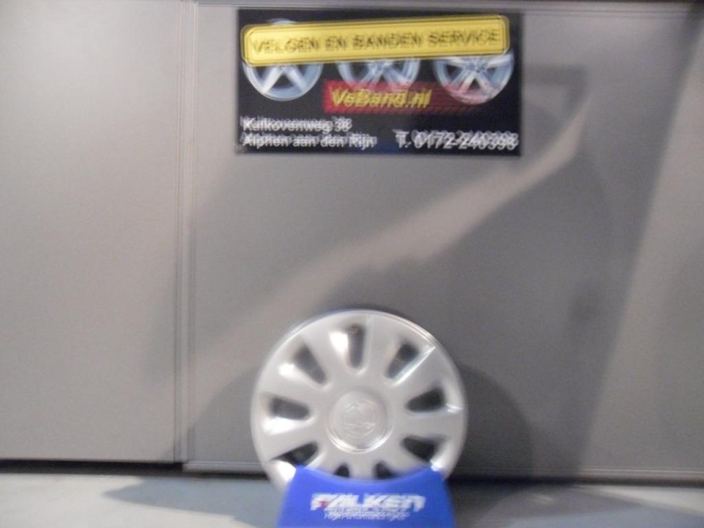 Opel Stalen Velgen Met Wieldoppen Veband